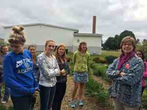 Dietetics students visit garden with Karen Balnis